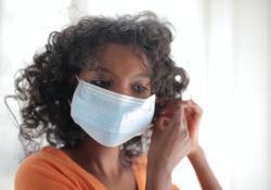 Les gestes barrières, les masques et les solutions hydroalcooliques